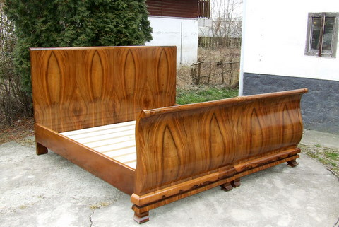 Art Deco Walnut Double Sleigh Bed.